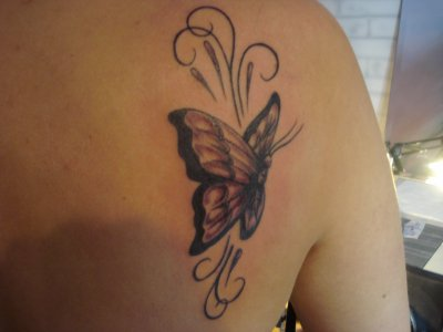 Tatouage papillon blog de tattoogilles - Tatouage de papillon ...