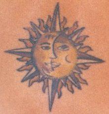 tatoo lune soleil bas du dos ma passion les tatouages et les piercings. Black Bedroom Furniture Sets. Home Design Ideas